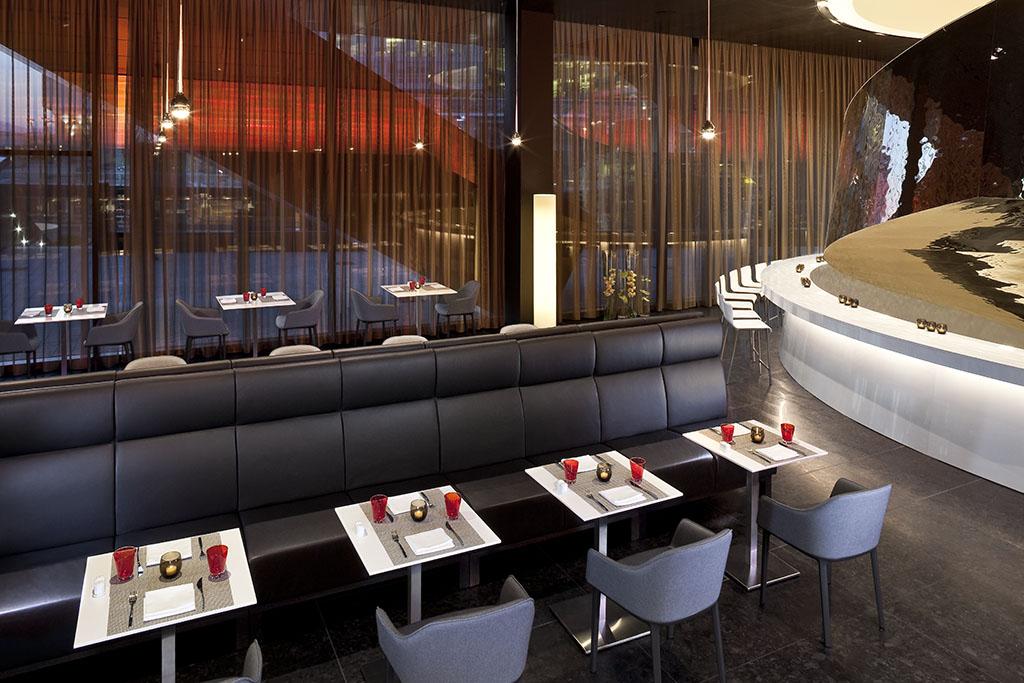 flow restaurant hotel melia vienna. Black Bedroom Furniture Sets. Home Design Ideas